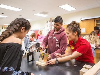 Through Henkel's Sustainability Ambassador program, employees teach children the importance of sustainability through hands-on experiments and show how everyone can contribute to a more sustainable environment.