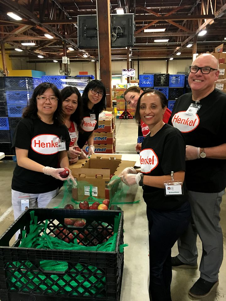 In addition to donating nearly 600 food items, employees in Irvine, CA worked tirelessly sorting and packaging food at the Second Harvest Food Bank. The Irvine team also collected gifts for the Boys & Girls Club's Winter Wonderland holiday party to provide for those who may not receive any.