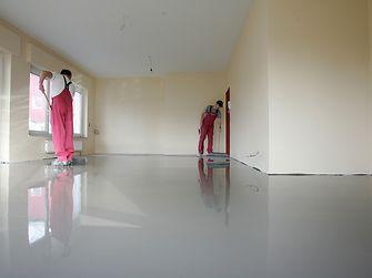 Spiegelglatte Oberflächen bietet die Ultra-glatt-Technologie, auf der Thomsit ein komplettes Sortiment an Spachtelmassen aufgesetzt hat