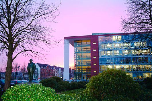 Verwaltungsgebäude am Standort in Düsseldorf (Deutschland)