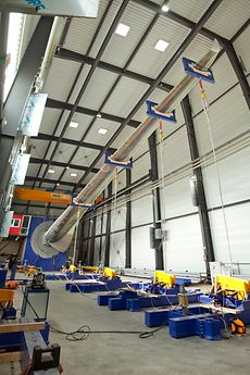 The IWES tested the 40-meter-long rotor blade in accordance with the IEC 61400-23 standard