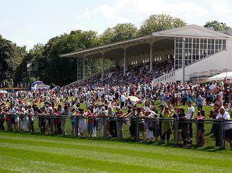 Rund 20.000 Besucher kamen zum diesjährigen Henkel-Renntag in Düsseldorf