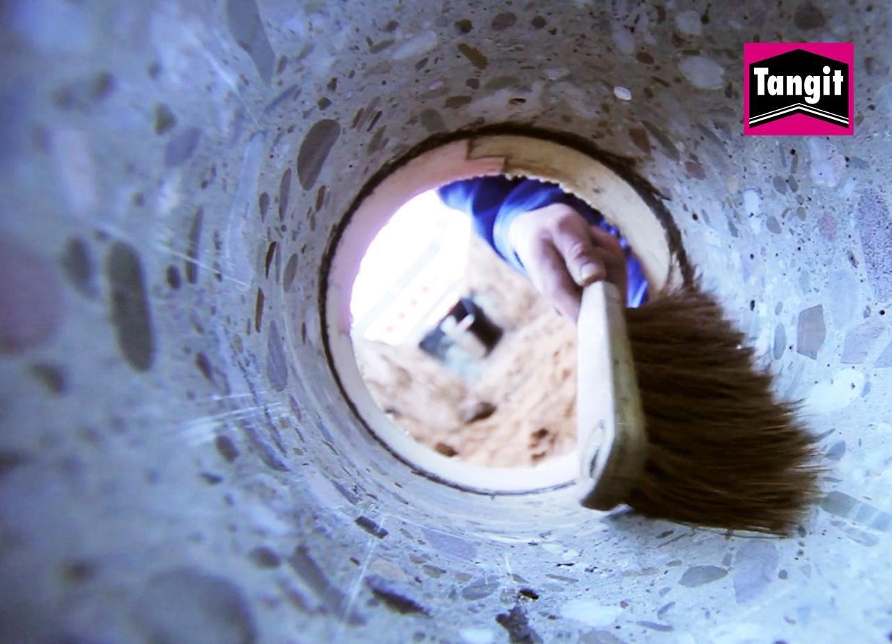 Bei der Abdichtung oder Sanierung von Hauseinführungen sind Profis mit dem Tangit M 3000 System auf der sicheren Seite