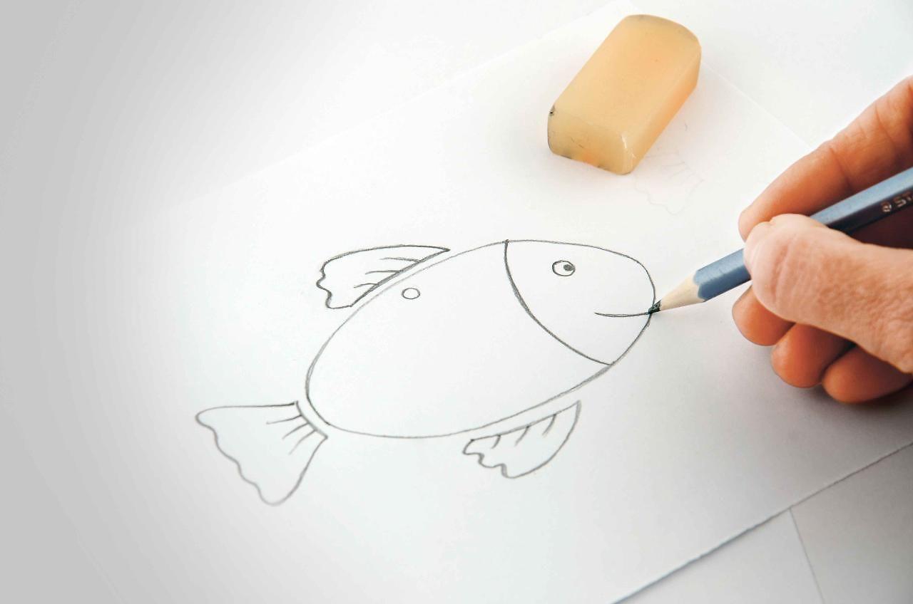 Fantasie-Fisch-Anhänger basteln mit dem Pritt Klebestift