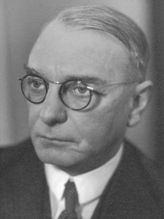 history-hugo-henkel-portrait-1930