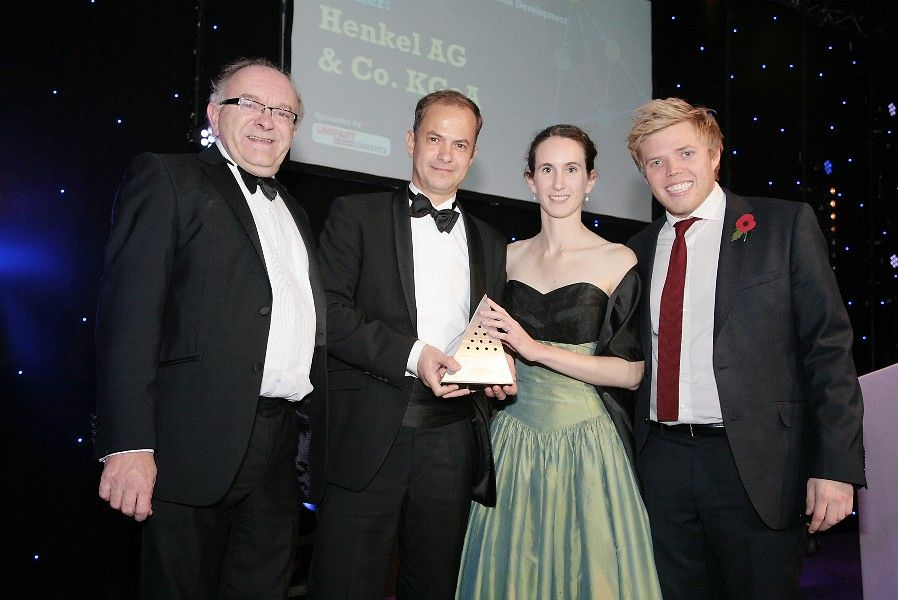 Honor for Henkel's Laundry & Home Care business: Arndt Bruentrup and Sophie Baudoin proudly received the European Supply Chain Excellence Award