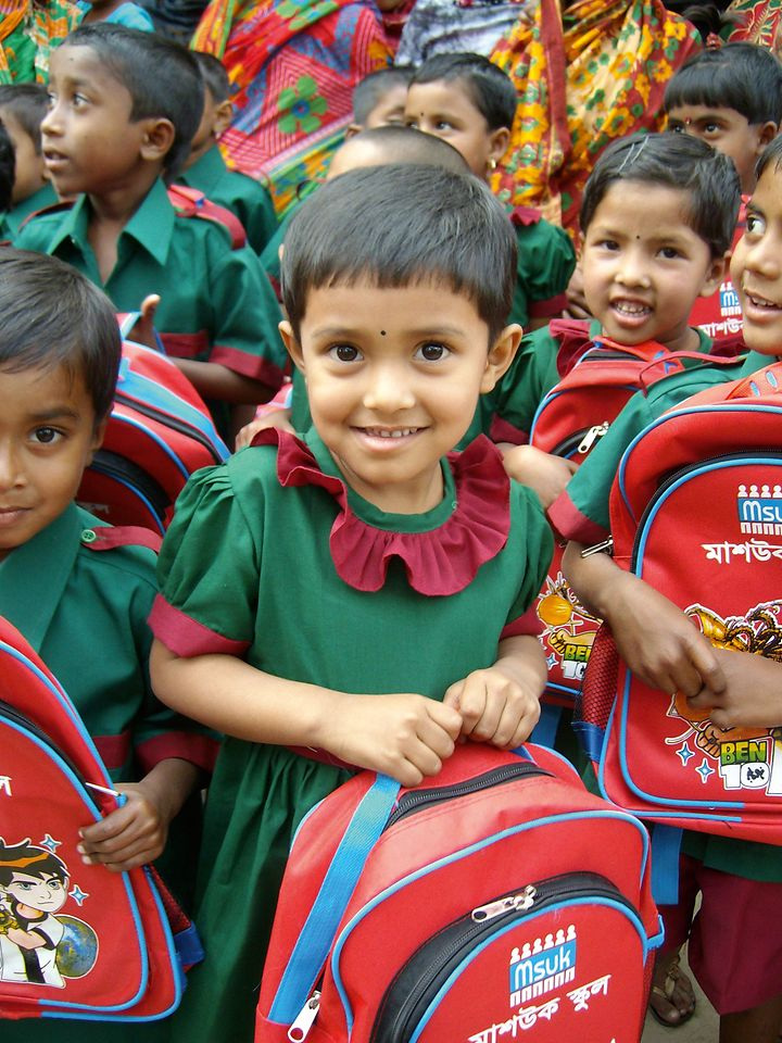 Over the last 15 years, the MIT Initiative has served to promote more than 10,500 projects in over 50 countries around the world. In Bangladesh, for example, support from Henkel enabled school materials to be purchased for more than 300 children