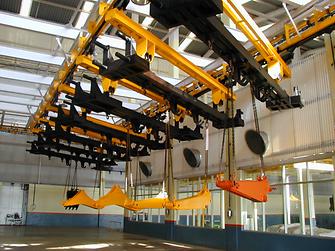 Henkels Lösungen für die Metallvorbehandlung und Autodepositionsbeschichtung kommen bei zahlreichen Schwermaschinen wie z.B. Baggern zur Anwendung