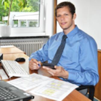 Bernhard-intern-at-finance