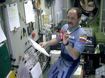 2001 Prit stick space - Russian cosmonaut Yuri Usachev