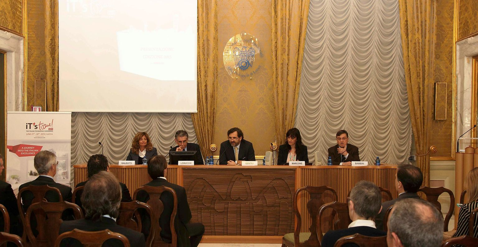 At the press conference of IT's Tissue 2015
