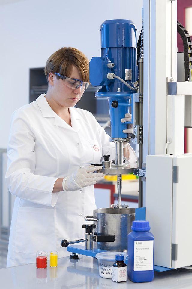 Staporkow Henkel Lab