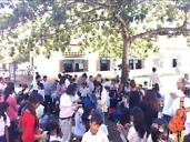 公立小学校が、青空美容室に!