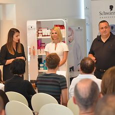 Croatian actress Mila Elegovic (center) hosted the Shaping Futures diploma-granting ceremony.