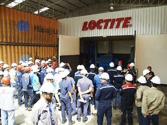 ผู้เข้าร่วมงานเยี่ยมชมศูนย์ฝึกอบรมให้ความรู้และให้บริการบำรุงรักษา ซ่อมแซม อุปกรณ์เครื่องจักรในงานอุตสาหกรรม