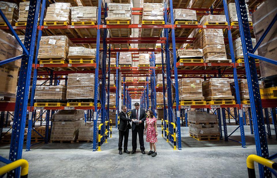 ศูนย์การขนส่งผลิตภัณฑ์ดูแลความงามของเฮงเค็ล