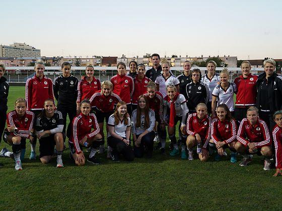 Die beiden Hamburgerinnen freuten sich, drei Tage mit den DFB-Spielerinnen in Kroatien zu verbringen