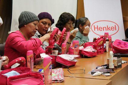"""Henkel en conjunto con la CANIPEC, llevó a cabo el taller """"Luzca Bien, Siéntase Mejor"""" el pasado 21 de julio en las instalaciones del Instituto Nacional de Cancerología"""