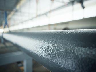 Stahlrohrleitung nach der Beschichtung mit Loctite PC 7255 sprühbare Keramikbeschichtung