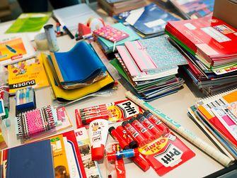 Sammelaktion Schulmaterialien für Fluechtlinge