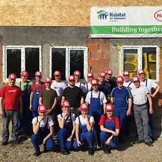 19 Henkel employees from Germany volunteered to build a house