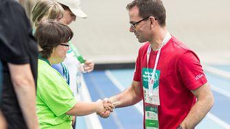 Heiko Held bei einer Siegerehrung bei den Special Olympics Deutschland 2016