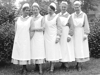 1931: Five nurses worked at the infirmary and imparted e.g. principles of hygiene in order to prevent diseases.