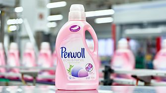 Perwoll-Flasche mit 15 Prozent recyceltem HDPE