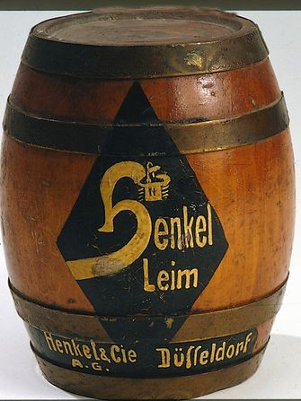 Adhesives barrel from 1925.
