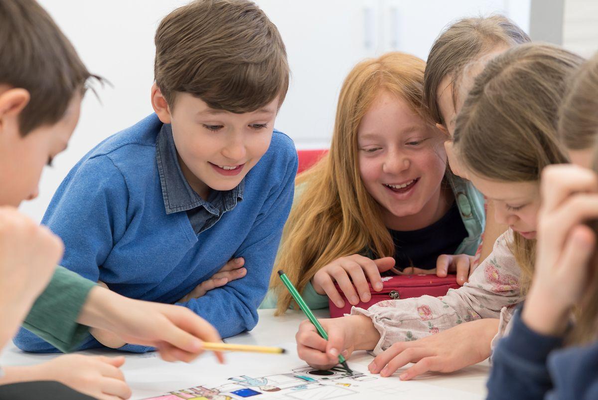 Die Gruppenarbeiten stießen bei den Schülern der 4B auf sehr großes Interesse.
