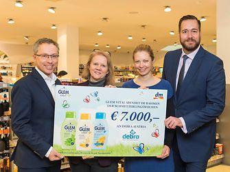 (V.li.) Bernhard Voit (Henkel Beauty Care), Dr. Anja Diem (EB-Haus Salzburg), Iris Bregulla (EB-Haus Salzburg) und Harald Bauer (dm-drogeriemarkt)