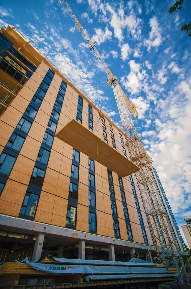 "Das ""Brock Commons"" ist ein innovatives Holz-Beton-Hybridgebäude an der University of British Columbia (UBC)."