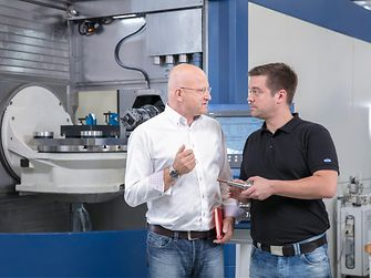 Bonderite duaLCys Process: Andreas Rotenberger (Mapal), Jürgen Schöllkopf (Lubricants Project Manager Henkel Adhesive Technologies)