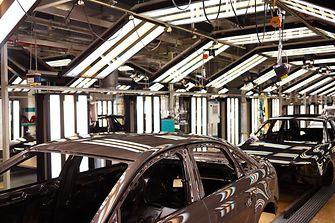 Patentierter Bonderite Zwei-Stufen-Prozess von Henkel zur Oberflächenbehandlung von Karosserien bei Audi