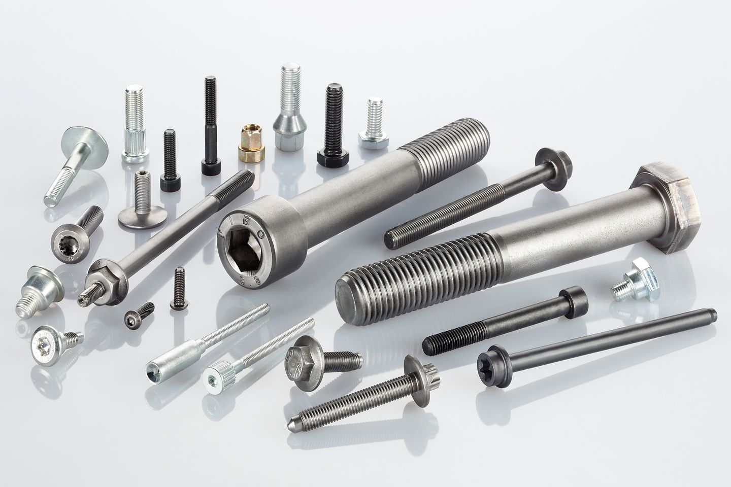 Bonderite L-FM FL portfolio of polymeric coatings is used for the production of metal working parts such as screws