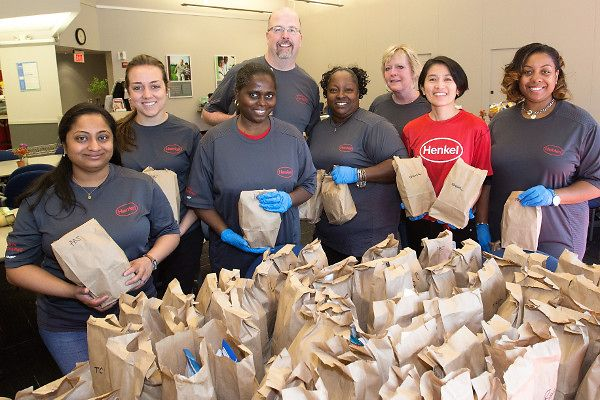 Over 80 Henkel employees in Bridgewater, USA, dedicated a week to focus on the spirit of giving back to the community