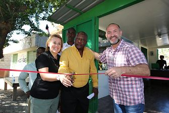 The new plastic waste collection center sponsored by Schwarzkopf in Haiti has been opened: