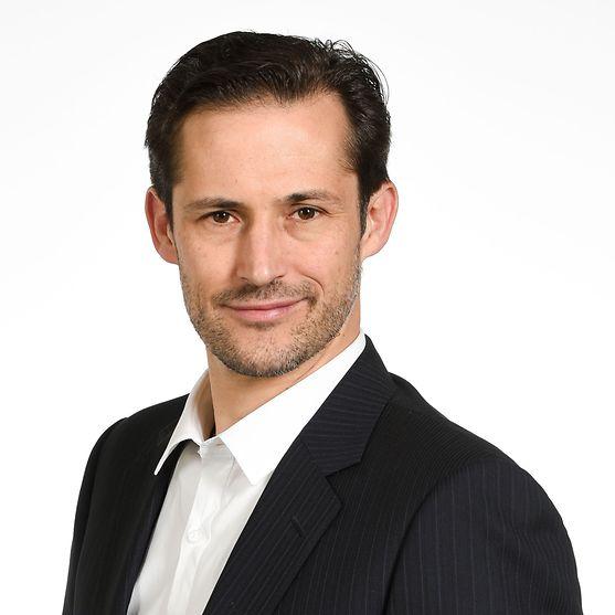 Dr. Nils Daecke