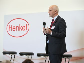 Ged McGurk, Head of Technical Customer Services for 3D Printing, Henkel, hosts a panel discussion with industry leaders
