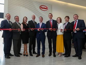 Opening ceremony in Dublin (from left to right: Michael Lohan, Industrial Development Authority (IDA Ireland); Matthew Holloway, Henkel; Deidre Ledwith, Henkel; Michael Todd, Henkel; Damien English, Irish Minister of State for Housing and Urban Renewal; Philipp Loosen, Henkel; Michelle Yewlett, IDA; Jerry Perkins, Henkel