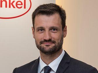 David Cazorla  Director General de Adhesivos de consumo Henkel Ibérica