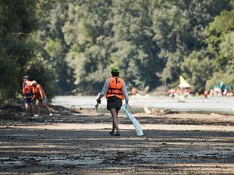 Takarítás a folyón és az ártéri területeken