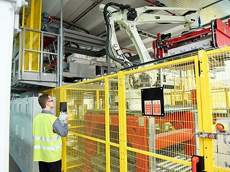 Robots facilitate the packaging of products