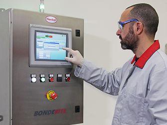 The Bonderite E-CO DMC controller has an intuitive touchscreen