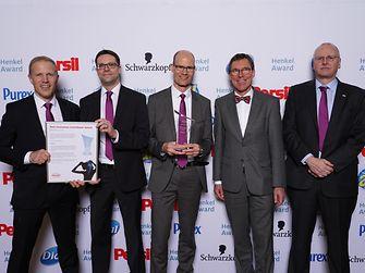 Best Innovation Contributor Award Beauty Care / Evonik (winner): Hans Henning Wenk, Oliver Wittlake, Tammo Boinowitz, Thomas Förster, Hans-Josef Ritzert