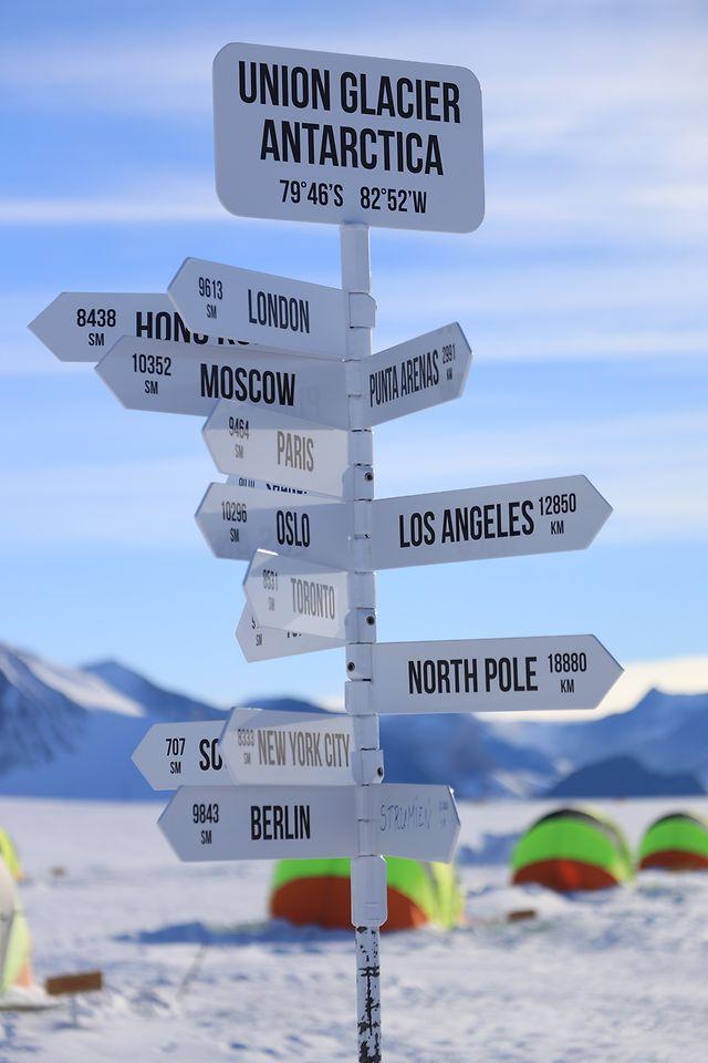 Spotlight_Think Outside_Antarctica_001