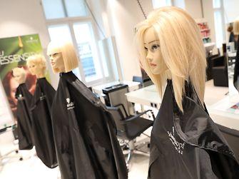 Im Vorjahr waren es über 230 Seminare und Veranstaltungen, die in Wien angeboten und von fast 3.000 Friseuren besucht wurden. - ®KatharinaSchiffl