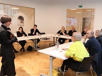 Die beiden Präsentationsräume fassen jeweils bis zu 120 Personen und lassen sich bei Bedarf in mehrere kleinere Meeting- und Seminarräume für acht bis 30 Personen umfunktionieren. Sie werden auch an externe Firmen als Eventlocation vermietet. - ®KatharinaSchiffl