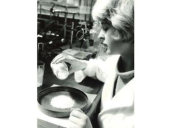 Chemo-Technikerin Gerti Brickmann