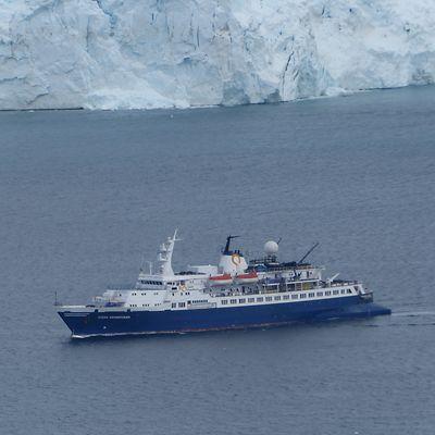 Perkins spent eight days aboard the Ocean Adventurer, a 300-foot ice-breaking vessel, cruising up and around the Antarctica peninsula.